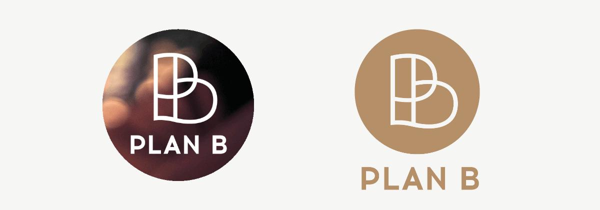 Final uitgeleverde logo's in cirkel met sfeerbeeld en koperkleur.