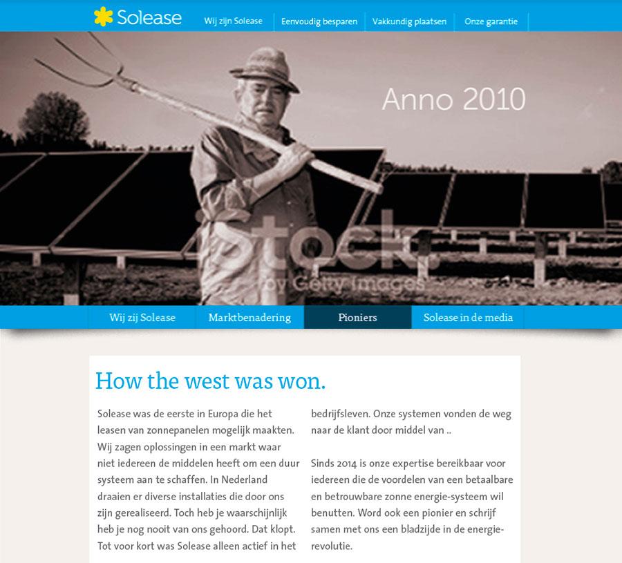 """Solease concept """"Anno 2010"""" met wart wit beeld van boer met hooivork met op achtergrond weiland vol zonnepanelen."""